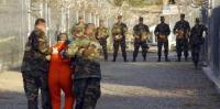 أوباما يغلق غوانتنامو ويرحل سجناء يمنيين