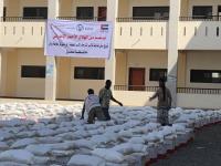 الهلال الأحمر الإماراتي يغيث أهالي الحوطة وتبن بمحافظة لحج