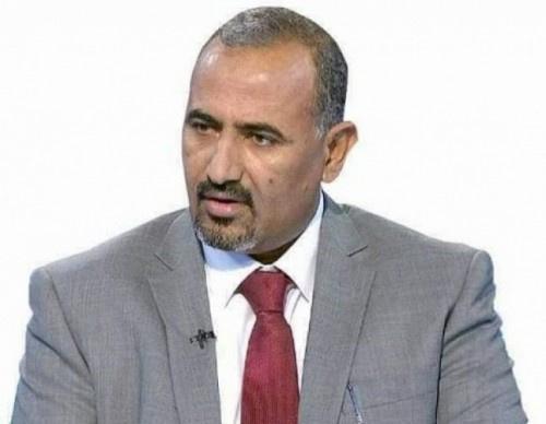 الرئيس الزُبيدي يُعزي في وفاة الإعلاميين البارزين عبده حسين وعبدان دهيس