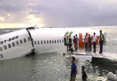 تعرف على قصة الناجي الوحيد من الطائرة الإندونيسية المنكوبة (صورة)