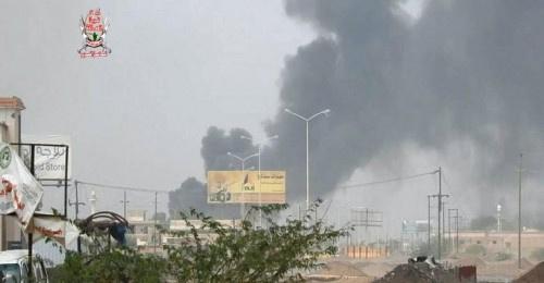 شاهد بالفيديو ..ألوية العمالقة تتقدم وتخوض معارك عنيفة مع مليشيات الحوثي في مدينة الحديدة