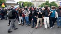 احتجاجات تشعل فرنسا.. وسقوط قتيلة وعشرات المصابين