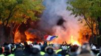 عاجل.. نيران ومصابون وفوضى تنذر بثورة في باريس