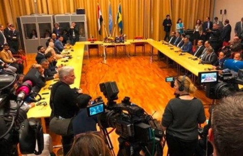 مشادات وتهديدات متبادلة بين الشرعية والحوثيين في افتتاح مشاورات السويد(تفاصل)