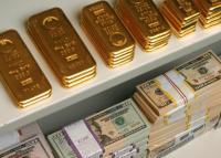 أكبر هبوط للذهب في 5 أسابيع بسبب الدولار