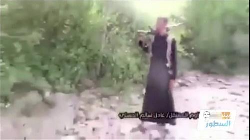 """برنامج """" بين السطور """" يستعرض مسيرة الإرهابي عادل الحسني من جبال أبين إلى استديوهات قناة الجزيرة"""