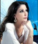 المغنية اللبنانية إليسا تهاجم رئيس البلاد وحزب الله بحدّة