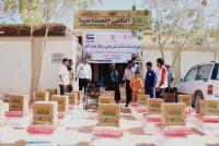 استفاد منها 7709 أفراد من الأسر.. قوافل إغاثة إماراتية إلى المناطق النائية والمراكز الصحية بشبوة
