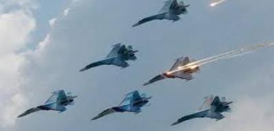 خلال عملية تدريب.. اصطدام طائرتين مقاتلتين روسيتين في الجو