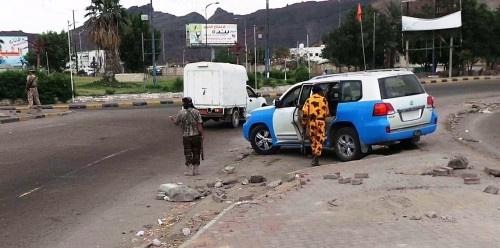 #عدن.. مسلحون ينهبون 18 مليون بخور مكسر