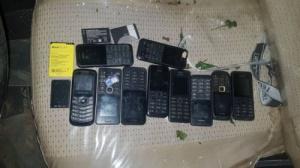 الحزام الأمني ب#أبين يضبط هواتف محمولة تابعة لعناصر إرهابية