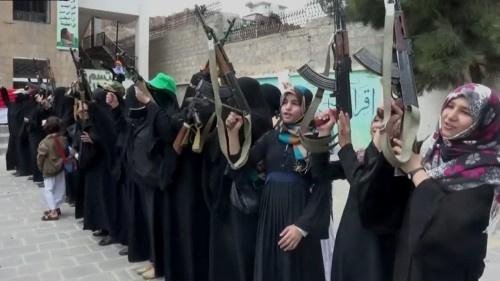 زينبيات #الحـوثي تثير غضب طالبات #صنـعاء بمطالب غير أخلاقية