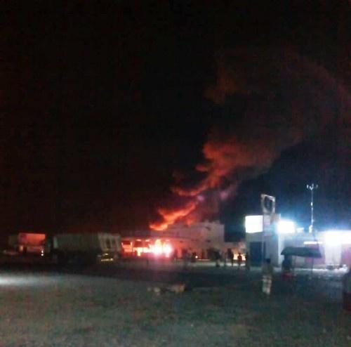 #حضرموت.. حريق هائل يلتهم محطة وقود بمنطقة العيون بالمكلا