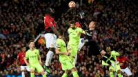 """برشلونة يخطف فوزا صعبا من """"الشياطين"""" ويقترب من نصف النهائي"""