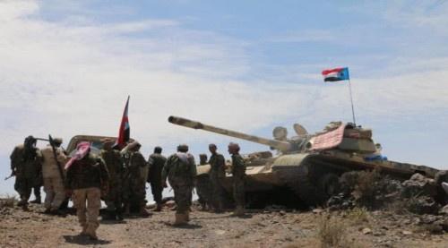 قوات الحزام والمقاومة تدك مواقع المليشيات الحوثية في جبل السور شمال #الضالع