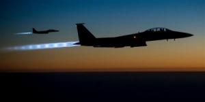 عـاجل.. طيران التحالف يدمر عتاداً عسكريا ويقتل عشرات #الحـوثيين شمال #الضـالع