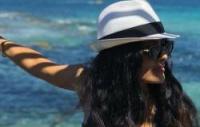 سلمى حايك على شواطئ فرنسا خلال عطلتها الصيفية