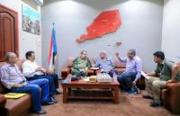 اللواء بن بريك يلتقي هيئة إدارة مستشفى باصهيب العسكري