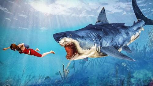 """هجوم """"مباغت"""".. سمكة قرش مزقت صدرها وذراعيها"""