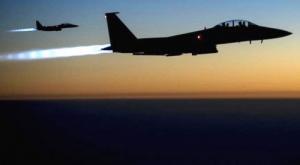 طيران التحالف يحلق بكثافة فوق مدينة شقرة بأبين