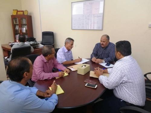 الدائرة الاقتصادية بالانتقالي تطلع على استعدادات مؤسسة كهرباء عدن للصيف القادم