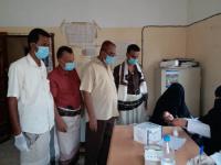 رئيس انتقالي المسيمير بلحج ومدير مكتب الصحة والسكان يدشنان حملة التحصين ضد مرض الدفتيريا