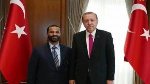 رئيس مركز تحليلي روسي يكشف عن ملياردير اخواني ساهم في التمدد التركي في جنوب اليمن