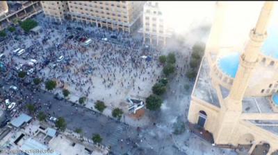 جرحى في مظاهرات عارمة في بيروت واقتحام عدة وزارات