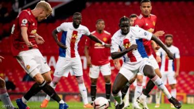 """هزيمة مفاجئة لمانشستر يونايتد.. و""""الفار"""" بطل اللقاء"""