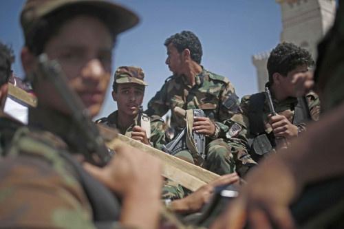 صحيفة بريطانية: الحوثيون يراهنون على المناورة والاستنزاف لانتزاع مأرب