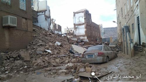 تقرير.. بيوت مسحت من على الخارطة في تريم وأسر لقيت حتفها تحت أنقاض الفيضانات
