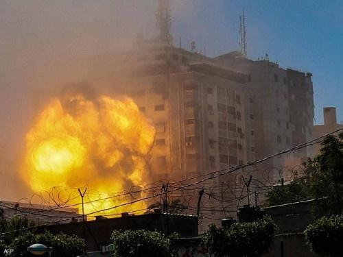 تصعيد مستمر.. قصف متبادل بغزة ومحيطها ومواجهات بالضفة الغربية