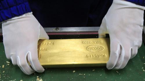 احتياطيات روسيا من الذهب والنقد الأجنبي تصعد إلى مستويات تاريخية