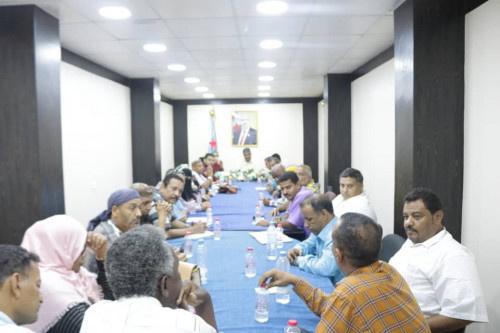 هيثم يلتقي بقيادة المكتب السياسي لمؤتمر عدن الجامع