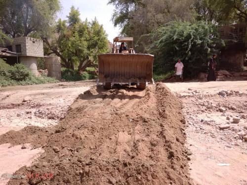 انتقالي الصعيد ينفذ حملة لفتح وإعادة صيانة الطرقات لمدينة يشبم والقرى المجاورة