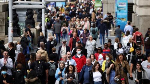 """تقرير بريطاني يكشف الأعراض الأكثر انتشارا لـ """"كوفيد طويل الأمد"""""""