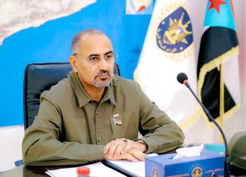 الرئيس الزُبيدي يترأس الاجتماع الدوري للقادة العسكريين والأمنيين