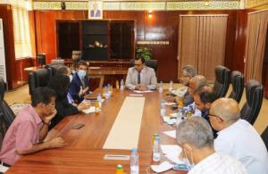 الوزير السقطري يلتقي مساعد منسق الشؤون الإنسانية بالأمم المتحدة