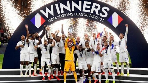 فرنسا تتوج بكأس النسخة الثانية لدوري الأمم الأوروبية