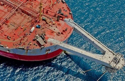 تقرير يكشف عن آثار متوقعة عقب وقوع كارثة تسرب النفط من الناقلة (صافر)